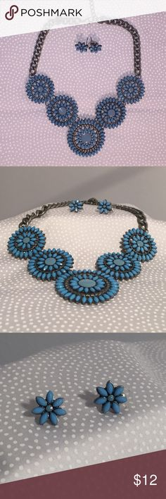 Necklace Blue floral necklace and earring set. Gray chain and floral earring studs. Jewelry Necklaces
