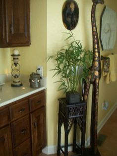 African theme in master bath.