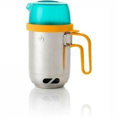 Met de BioLite KettlePot heb je een ketel en een pan in één en kost het je geen extra ruimte. Of je nu koffie wilt zetten om de dag mee te b...