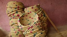 Ranidongri - The basket makers in disguise Hindi Worksheets, Indian Crafts, Handicraft, Weaving, Basket, Closure Weave, Craft, Arts And Crafts, Baskets