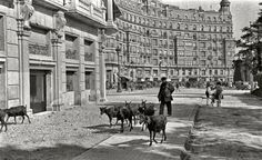 Barcelona, Plaça Francesc Macià 1945.