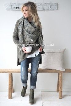 Discount Airfares Through The USA To Germany - Cost-effective Travel World Wide Indfini Boho Fashion Over 40, Denim Fashion, Winter Fashion, Womens Fashion, Cute Casual Outfits, Casual Chic, Best Jeans For Women, Moda Outfits, Mature Fashion