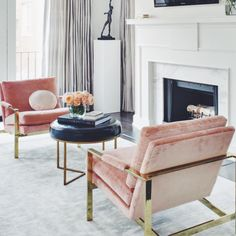 Searching for inspiration for the living room and fell in love with this space from luxesource.com via @lamaisonpierrefrey & @artdesigninspire #TIGpicks