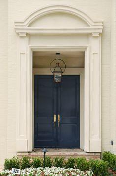 Beautiful blue Double Door unit. Front Door Entrance, Front Entrances, Fancy Houses, Double Doors, Windows And Doors, Garage Doors, Outdoor Decor, Blue, Beautiful
