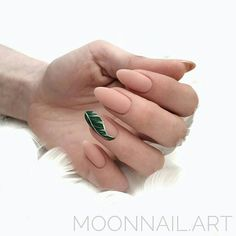 The advantage of the gel is that it allows you to enjoy your French manicure for a long time. There are four different ways to make a French manicure on gel nails. Shellac Nails, Matte Nails, Manicure And Pedicure, Hair And Nails, My Nails, School Nails, Cute Acrylic Nails, Stylish Nails, Swag Nails