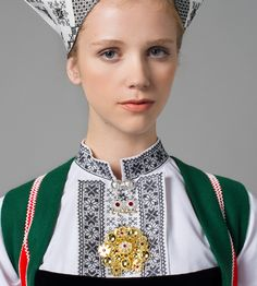 Hello all, Today I will cover the last province of Norway, Hordaland. This is one of the great centers of Norwegian folk costume, hav. Folk Costume, Costumes, Traditional Outfits, Floral Tie, Norway, Portrait, 2d Character, Folklore, Embroidery