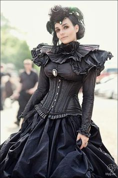 I would love to be buried in this dress!!!!!!