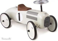 Jeździk dziecięcy beżowo - brązowy - Jeździki dziecięce - Dla dziecka - Studio Caramella