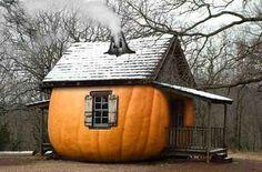 La casa di zucca e la vecchia strega Perfidia