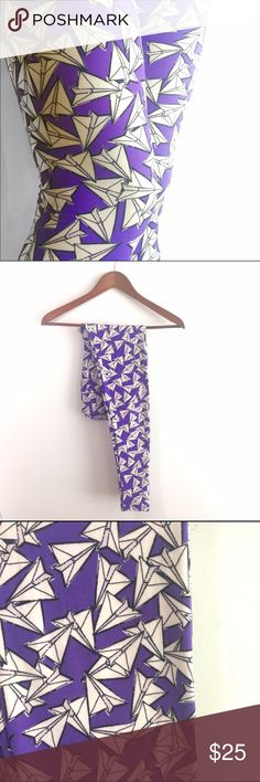 Paper Airplane Leggings, New🦄 LuLaRoe Fun print legging by LuLaRoe! Paper airplanes in purple, black, white. New ! Poly spandex jersey, brushed. One size by LLR recommended for sizes 0-8. Made in Vietnam LuLaRoe Pants Leggings