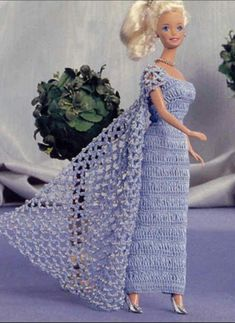 beautiful dress - page needs to be translated - CROCHET Barbie Crochet Gown, Crochet Barbie Clothes, Barbie Gowns, Barbie Dress, Barbie Patterns, Doll Clothes Patterns, Clothing Patterns, Teenage Girl Outfits, Ball Gown Dresses