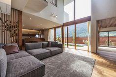 五日市の家 | WORKS WISE 岐阜の設計事務所 Outside Furniture, Home Furniture, Types Of Furniture, Japanese House, Architecture Design, Modern Design, House Design, Flooring, Living Room