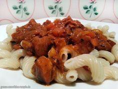 Yammie - Veganes Gulasch mit Spiral-Dinkel-Nudeln - Soulfood