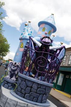 So fun! NY Daily News lists Sesame Place's Halloween Spooktacular as a must-attend not-too-spooky event this fall!