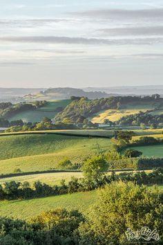 Devon Hills, England – Photography, Landscape photography, Photography tips Beautiful World, Beautiful Places, Places To Travel, Places To Go, England And Scotland, Devon England, Cornwall England, Yorkshire England, Yorkshire Dales