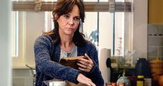 Why Sally Field Hated Her Part In The Amazing Spider-Man Movies -   No matter who is playing Spider-Man, and what studio is behind the current adaptation of the mighty Marvel hero, Aunt May always will be designed as a supportive side character – a voice of compassion and reason who's there to help troubled teen hero Peter Parker figure the right move i... http://tvseriesfullepisodes.com/index.php/2016/03/15/why-sally-field-hated-her-part-in-the-amazing-spider-man-