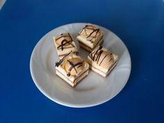 Egy igazán finom krémes süti, amivel senki nem tud betelni! Ünnepi alkalmakra is remek választás, mert mindenki szereti. Hozzávalók a tésztához: 45 dkg liszt, 15 dkg cukor, 7,5 dkg Ráma margarin vagy vaj, 1 tojás, 2 evőkanál kakaópor, 1 csomag … Egy kattintás ide a folytatáshoz.... →