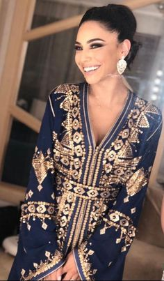 Moroccan Caftan, Moroccan Style, Caftans, Sari, Glamour, Style Inspiration, Chic, Elegant, Wedding Dresses