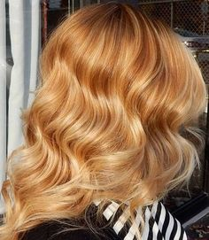 light copper wavy hairstyle