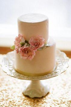 Weddbook ♥ pequeños pasteles de boda fondant. Idea creativa wedding cake   flor rosa  vintage  fondant