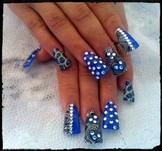 ❤ Pretty nail art for these duckfeet nails! | flare tips | widwle fan nails | #nailart #nailswag #nailstagram