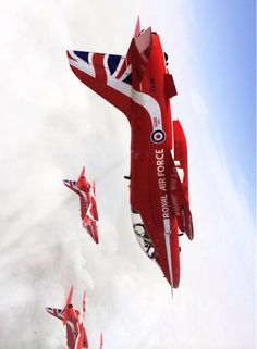 Rounding off the first week of our training in Greece with a trip with Red A mixed bag of weather! Air Fighter, Fighter Jets, Pride Of Britain, Raf Red Arrows, Airplane Crafts, Road Train, Royal Air Force, Air Show, Battleship