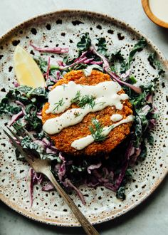 SWEET POTATO CAKES WITH LEMONY SLAW Sweet potato cakes with lemony slaw is a delicious light dinner. Naturally vegan and gluten-free, these cakes have quinoa and hemp for extra protein. Healthy Food Blogs, Whole Food Recipes, Cooking Recipes, Healthy Recipes, Most Healthy Foods, Veg Recipes, Recipes Dinner, Lunch Recipes, Gourmet Recipes