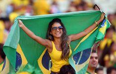 Portando la bandera de Brasil con mucho orgullo