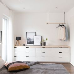 In several dormitories Ikea bedrooms are pleased to be seen, as they give numerous solutions for a classy bedroom facility. The considerable range of Swedish bedroom furniture also offers realistic sp Bedroom Inspo, Home Bedroom, Bedroom Decor, Bedroom Furniture, Furniture Layout, Master Bedroom, Ikea Nordli, Minimalist Bedroom, Minimalist Living