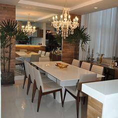 Ambientaçao de uma sala de jantar em uma Residencia no Condominio Porto Boulevard - Natal/RN
