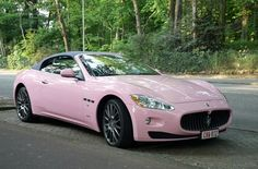 Her Pink Maserati Gran Cabrio .The Lady has Arrived! Car Images, Car Pictures, Fancy Cars, Cool Cars, My Dream Car, Dream Cars, Bugatti, Mercedes Benz, Barbie Car