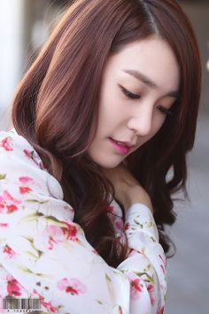 SNSD Tiffany Hwang airport fashion may 2014