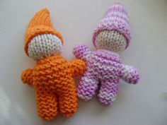The gnome takes less than two ounces of yarn in two colors (less than one ounce of each color).