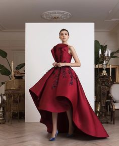 haute couture fashion Archives - Best Fashion Tips Red Carpet Dresses, Ball Dresses, Ball Gowns, Prom Dresses, Club Dresses, Elegant Dresses, Pretty Dresses, Unusual Dresses, Couture Dresses