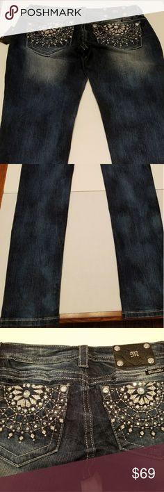 Miss Me, NWT. Miss Me Size 28 Dream Catcher Embellished Skinny Jean JP5928S2 NWT.  Inseam 33 inches. Miss Me Jeans Skinny