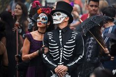 On the big screen: In the film, whose opening scenes were shot in Mexico City, Bond chases a villain through crowds of revelers in what resembled a parade of people in skeleton outfits and floats. Daniel Craig is seen in a scene from the movie Halloween Outfits, Couples Halloween, Halloween Carnival, Halloween Kostüm, Couple Halloween Costumes, Skeleton Costumes, Halloween Makeup, Skeleton Makeup, Halloween Masquerade