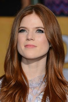 There are three natural hair colors: blonde, brunette, and shades of red. While one might be more fun, and the other might be more popular, redheads are definitely the most unique of the bunch. The United States is actually home to the most redheads… Rose Leslie, Scarlett, Flawless Beauty, Auburn Hair, Beautiful Redhead, New Hair Colors, Shades Of Red, Redheads, Hair Inspiration