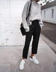 Oversized grey sweater neat black trousers Stan 2019 Oversized grey sweater neat black trousers Stan The post Oversized grey sweater neat black trousers Stan 2019 appeared first on Sweaters ideas. Fashion Mode, Look Fashion, 90s Fashion, Fashion Tips, Womens Fashion, Fashion Clothes, Latest Fashion, Classy Fashion, Style Clothes