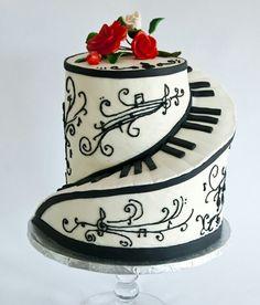 Black & white piano cake
