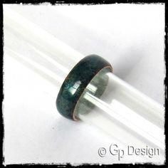 Anneau simple style rustique large en émaux sur cuivre - bague de créateur - vert émeraude - couleurs personnalisables