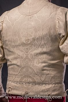 1460-1480 Italian doublet by www.medievaldesign.com