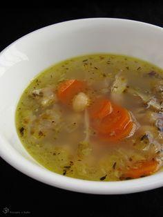 Kuracia polievka s cicerom Chicken Soup, Cheeseburger Chowder, Indie, Food, Essen, Meals, Yemek, Eten, Chicken Soups