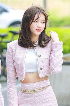 Korean Beauty Girls, Pretty Korean Girls, Korean Girl Fashion, Asian Beauty, Kpop Outfits, Girl Outfits, Fashion Outfits, Oh My Girl Yooa, Cool Girl