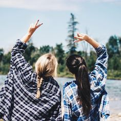Squad Goals :: Soul Sisters :: Girl Friends :: Best Friends :: Free your Wild :: See more Untamed Friendship Inspiration /untamedorganica/ Best Friend Pictures, Bff Pictures, Friend Photos, Bff Pics, Sister Pics, Squad Pictures, Lake Pictures, Brother Sister, Foto Best Friend