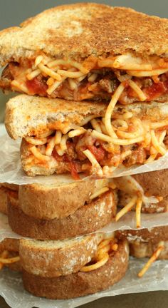 Spaghetti and Garlic Toast Grilled Cheese ~ 3 favourites come together in this sandwich: garlic toast, spaghetti, and grilled cheese... It's an unforgettable combination!