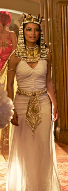 Lana Lang / Kristin Kreuk she is so pretty! Kristin Kreuk, Egyptian Fashion, Egyptian Women, Ancient Egypt Fashion, Couple Halloween Costumes, Mummy Costumes, Woman Costumes, Pirate Costumes, Group Costumes