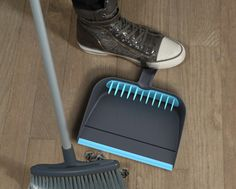 Broom Groomer Dustpan From Quirky solves the problem of brooms making more mess than they clean after overuse. Sometimes you get the pesky dirt and dust . Cleaning Dust, Cleaning Hacks, Broom And Dustpan, Rubber Lips, Diy Cleaners, Cool Baby Stuff, Household Items, Homemaking, Inventions