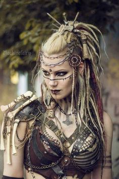 So cool - might take a little time to get ready every day though. viking warrior vikings champions norse winter is coming Dreads, Maquillage Halloween, Halloween Makeup, Viking Halloween Costume, Female Warrior Costume, Female Cosplay, Halloween Ideas, Vikings Halloween, Fantasy Female Warrior