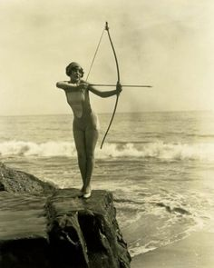 Archery - The traditional longbow, shot by a woman around the mid Old Photos, Vintage Photos, Woman Archer, Film D'action, Silent Film Stars, Traditional Archery, Divas, Lightning Strikes, Vintage Photography