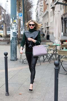 Lavender love and a red lip to boot. Perfection #Thesartorialist